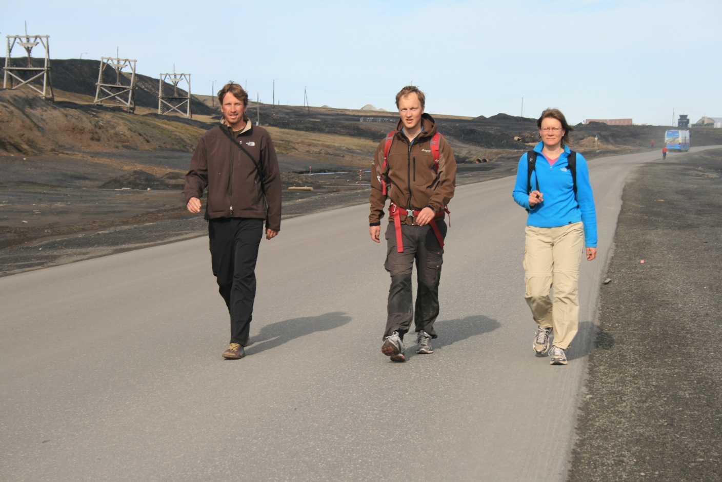 Fieldsampling team heading into Longyearbyen (l-r): Olivier, Gjermund and Ulla